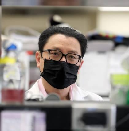 Tracking and Visualizing the Coronavirus